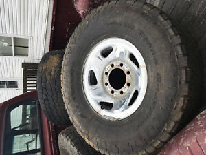 98 Dodge Ram 2500 wheels and tires