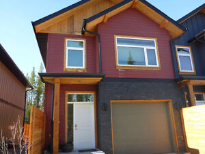 Room for rent in New Condo in Takhini North minutes from Yukon C
