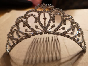 Crystal Accessories (Tiaras and necklaces)