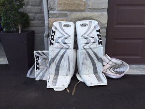 CUSTOM SPEC TPS SUMMIT 7 35+1 GOALIE PADS AND GLOVES