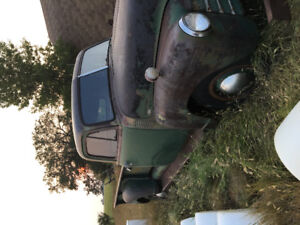 1950s era 1 ton truck with hoist for sale.