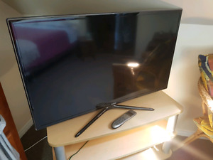 "Samsung 42"" Smart TV"