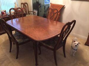 Nice mahogany dining room set