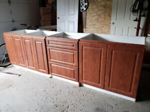 Kitchen Cabinets and Vanities for sale!