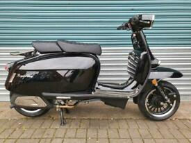 ROYAL ALLOY GP300 METAL BODY BLACK BRAND NEW CLASSIC RETRO STYLE SCOOTER