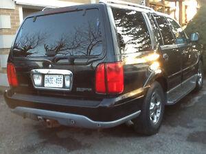 2000 Lincoln Navigator SUV, Crossover