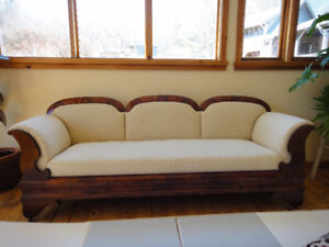 Antique couch in great condition