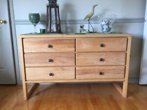 meubles de chambre d'enfant en bois massif - commode et bureau