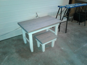 Hand made children's table and bench Many to choose from 200.00$