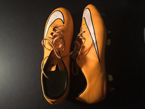 MENS size 10.5 cleats