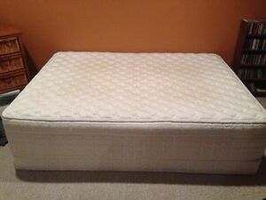 Queen mattress and boxspring