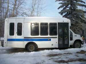 2005 Ford E450 Wheelchair 9 passenger bus van