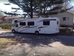 2012 Four Winds Chateau 31 pieds