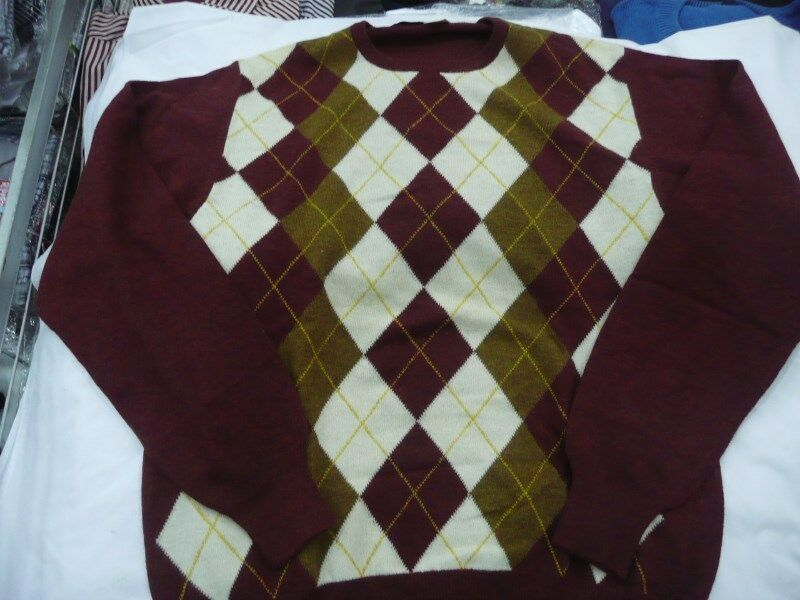 Vintage Burgundy Diamond Plaid Pattern SWEATER for MEN Made In Italy 100%Lambswool Size Large/XLarge