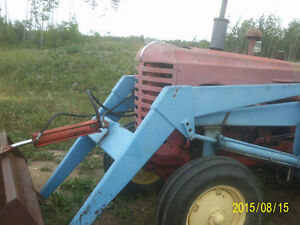 Massey 555 with loader & bale fork Strathcona County Edmonton Area image 3