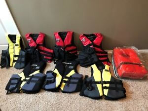 life jacket (s), anchor, dock bumper (s), tow ropes, Rescue ball