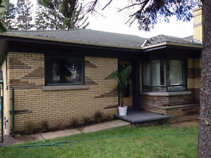 East Galt Bungalow: Perfect for Professional or Mature Couple