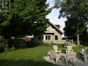 Vista Beach Lake Escape cottage -Bayfield/Grand Bend on the LAKE