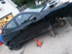 06 hatchback ford focus parts !