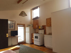 Bachelor unit available, includes utilities and internet.