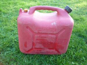 Bidon d'essence, 5 gallons imp.
