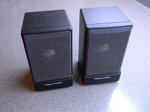 Vintage Realistic Minimus 0.6 amplified speakers
