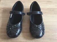 Girls school shoes size 1F