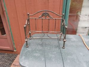 METAL PLANT STAND - REDUCED!!!!