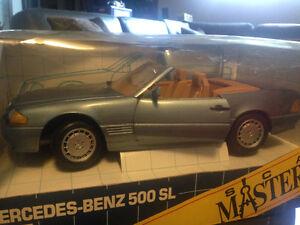 1/18 DIECAST REVELL  1990 MERCEDES-BENZ 500SL BLUE MINT RARE