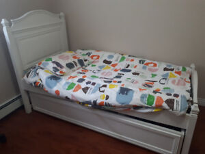 Single Princess bed for sale
