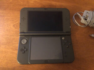 NEW Black 3DS + games & charger