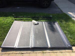 2012 Toyota Tacoma Bakflip hard tonneau cover
