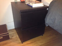Commode à 2 tiroirs - 2-drawer chest Watch Share  Print Report A