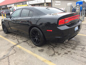 2013 Dodge Charger SE Sedan w/hellcat wheels, Clean vehicle