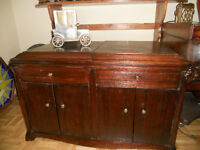MEUBLE ANTIQUE ( COMMODE VICTROLA)