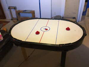 6 Ft Air Hockey Table - great condition