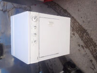 4yr old Stackable Dryer Frigidaire 27'