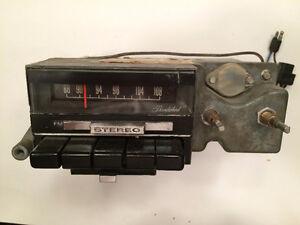 Vintage Thunderbird or Lincoln Mark III Radio