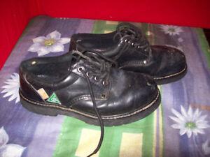 Dakota steel toe boot women's size 9.5. London Ontario image 2