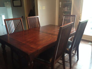Beautiful 8 Seat Dining Table