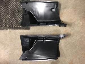 1979-93 MUSTANG FRONT FENDER APRON PAIR W/ NO HOLES
