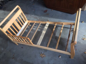 Toddler sleigh style bed