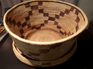 Grand panier provenant d'Afrique  Large Basket made in Africa