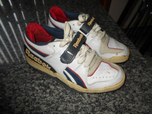 REEBOK SHOES EXCELLENT CONDITION MEN SIZE 10 .