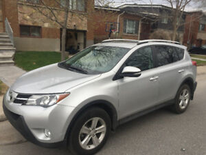 2014 Toyota Rav4 with super low mileage excellente condition