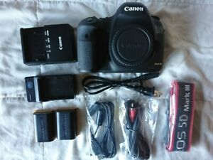Canon 5D Mark III - Mint condition. under 5K shutter count!