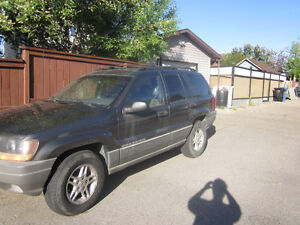 2000 Jeep Grand Cherokee Laredo SUV, Crossover