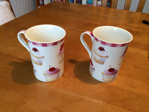 """Cupcakes"" themed mug set (2) - porcelain - new/never used (R2S)"