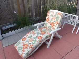 Patio Chaise Lounge w/ new cushion.