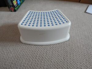 2 toddler step stool for 10.00